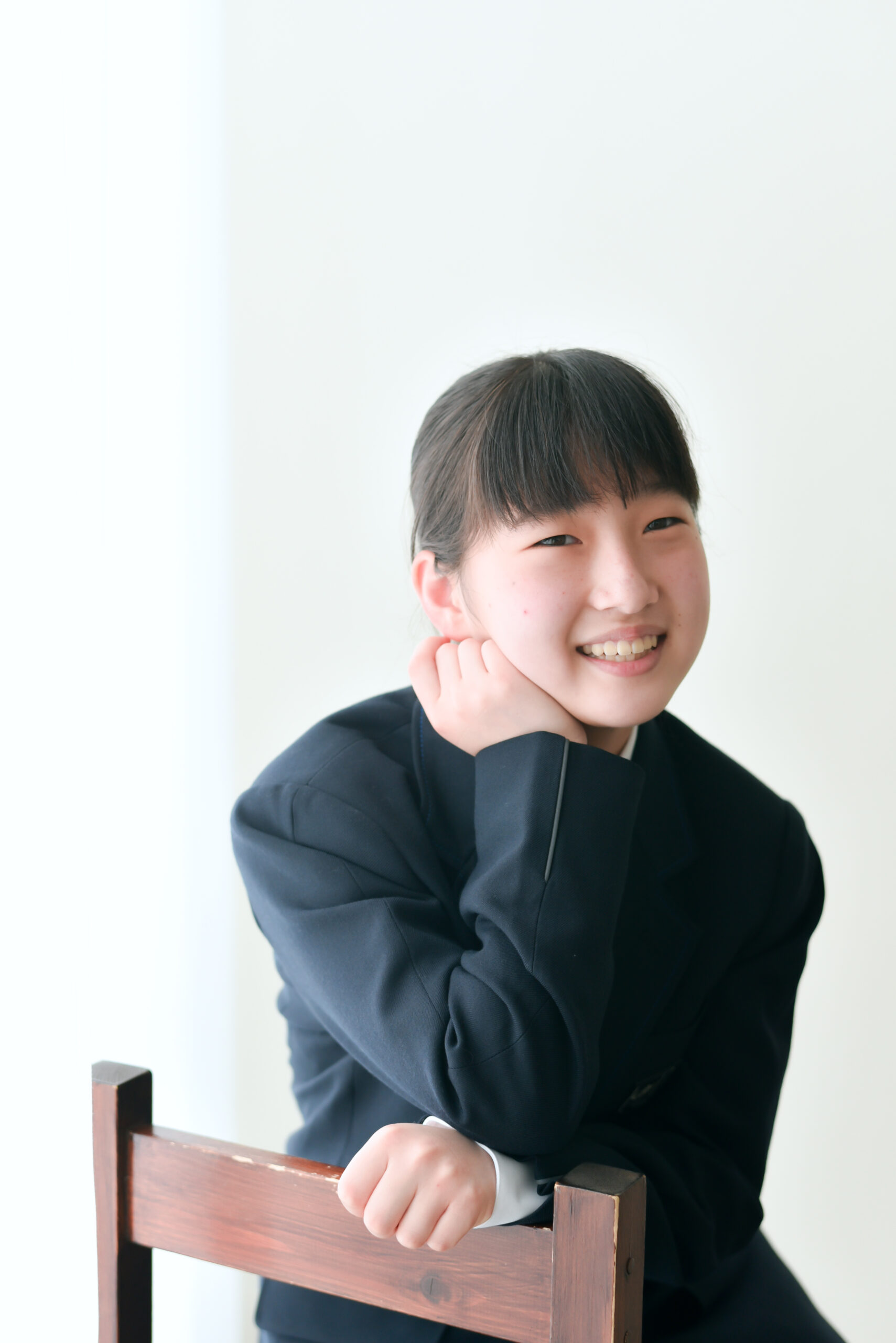 小学校卒業記念撮影 中学校卒業記念撮影 12歳の女の子 中学校の制服が初々しい 記念撮影 宇都宮フォトスタジオ フォトジェニックサクラスタジオ