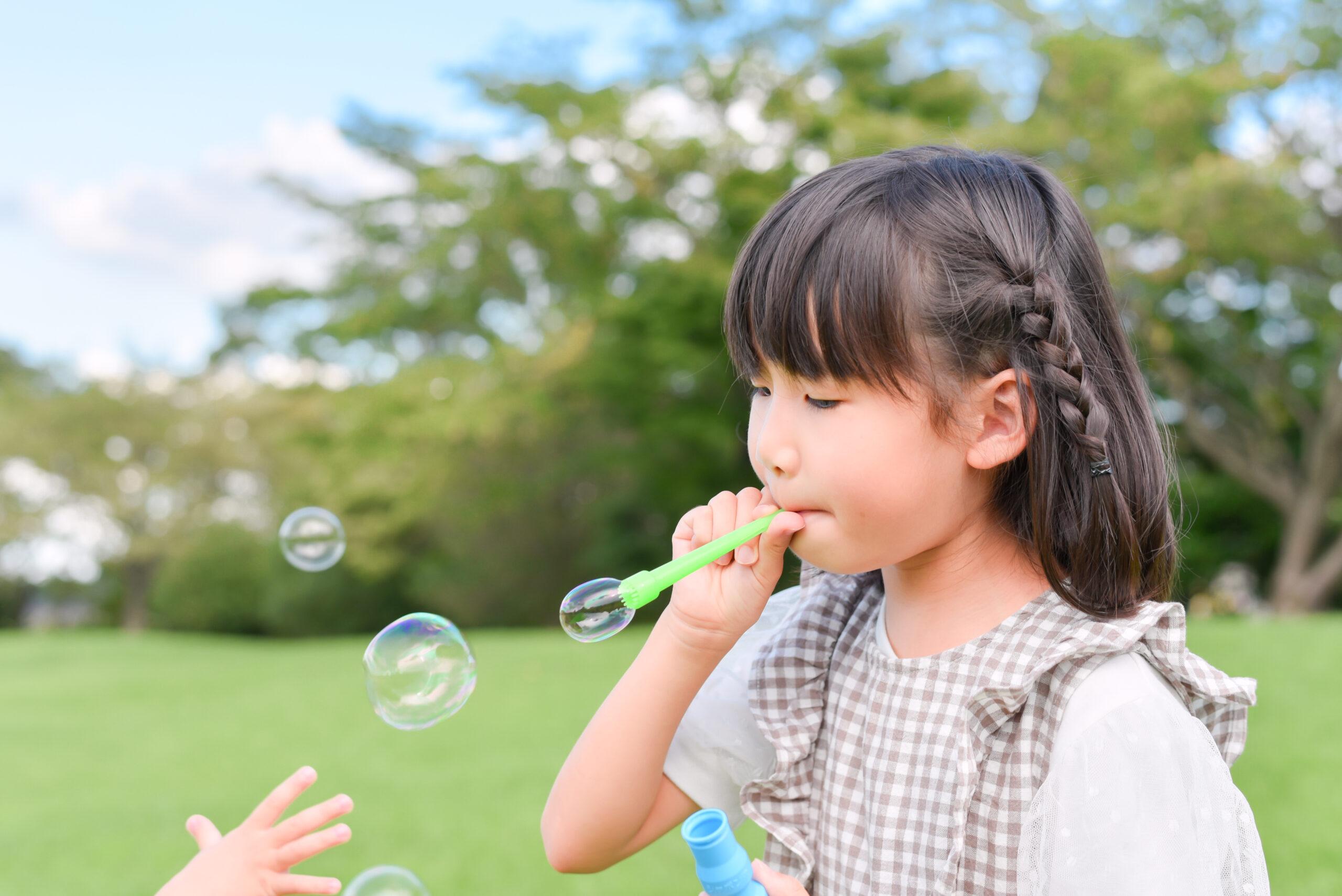 夏 公園 6歳 女の子 こども シャボン玉 写真撮影 ロケーションフォト 宇都宮