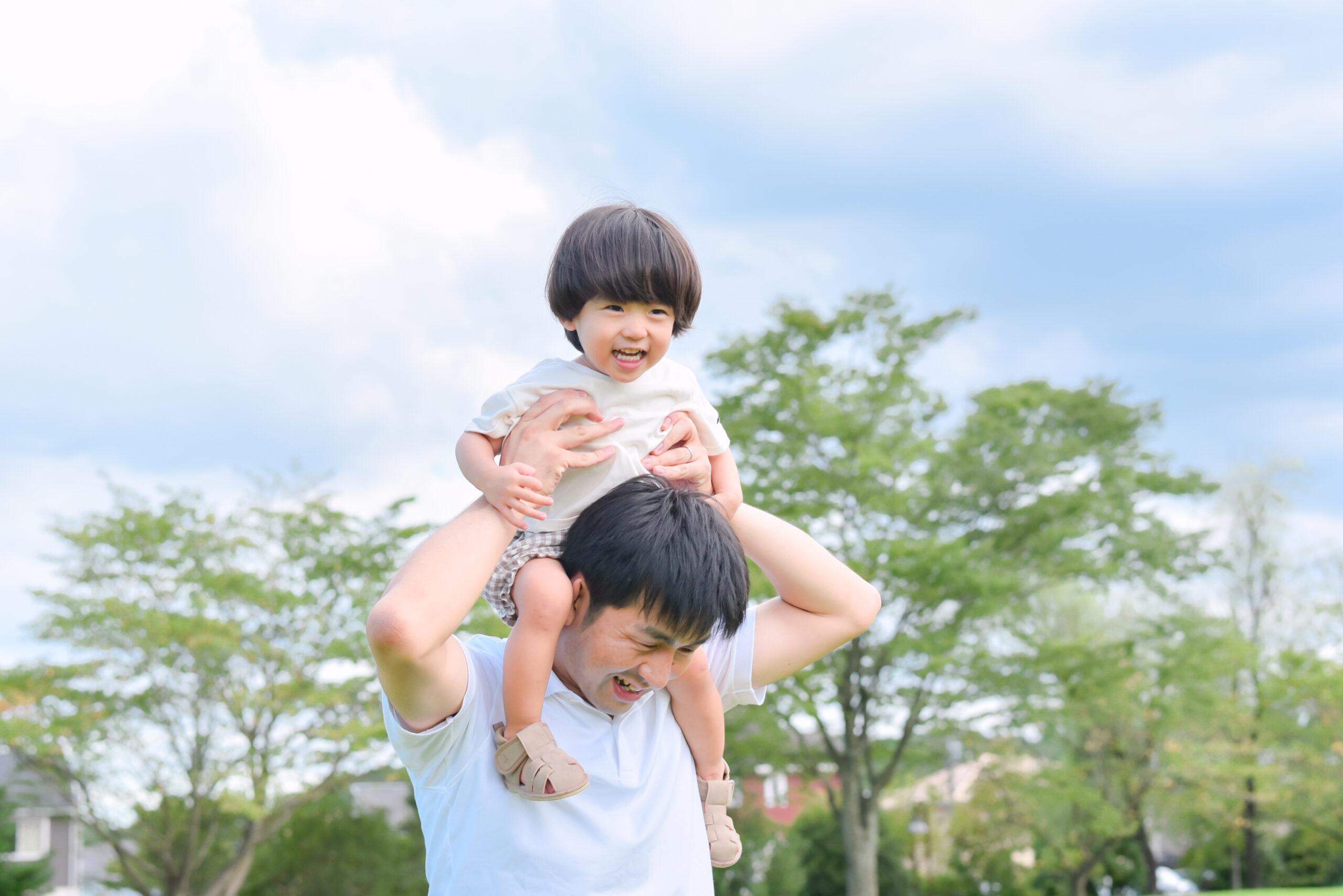 夏 公園 2歳 男の子 こども パパに肩車 写真撮影 ロケーションフォト 宇都宮